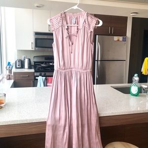 Perfect mauve pink dress for weddings and events!